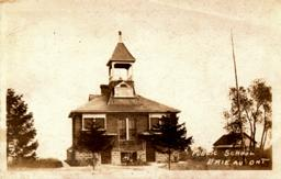 Erieau-School-postcard